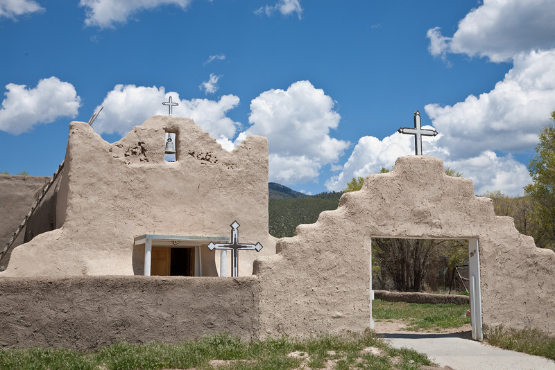 San Lorenzo de Picuris. This church in Picuris Pueblo has been rebuilt several times since the original 1770 structure. The current church, which dates to 1988, was constructed with the original floor plan and exterior style. Only the entrance gate remains from the 18th century.