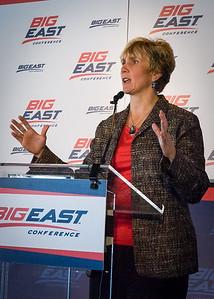 Marquette Head Coach Terri Mitchell