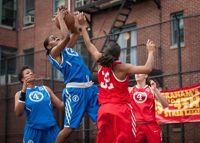 Primetime (Blue) 65 v. Havoc (Red) 31 (West 4th St Women's  Pro-Classic NYC: Primetime (Blue) 65 v. Havoc (Red) 31, William F. Passannante Playground, New York, NY. June 26, 2010)