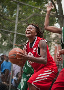 """Big East Ballers 76 v. No Limit 75 (West 4th Street Women's Pro Classic NYC: Big East Ballers 76 v. No Limit 75, West 4th St Court """"The Cage,"""" New York, NY, July 10, 2010)"""