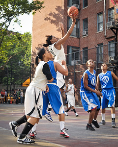 (West 4th St. Women's Pro-Classic NYC: Lady Mustangs (Grey) 53 v Brooklyn Express (Blue) 44, William F. Passannante Ballfield, New York, NY. June 25, 2011)
