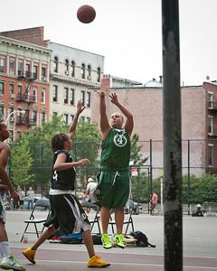 (West 4th St. Women's  Pro-Classic NYC: Dreamteam (Green) 68 v Havoc (Black) 46, William F. Passannante Ballfield, New York, NY. August 13, 2011)