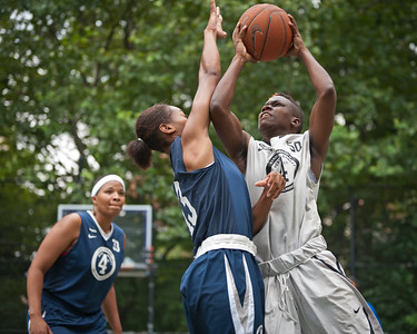 """(West 4th St. Women's  Pro-Classic NYC Championship Game: Primetime (Navy) 79 v Lady Mustangs (Grey) 66, The """"Cage"""", New York, NY. August 21, 2011)"""
