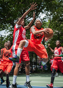 """Shorty Reed West 4th Street Women's Pro Classic NYC: Deuce Trey (Orange) 52 v Fastbreak (Red) 44, """"The Cage"""", New York, NY, June 3, 2012"""