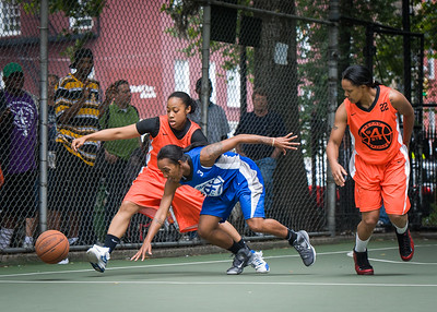 """Paula Robinson, Renee Taylor, Shanee Williams West 4th Street Women's Pro Classic NYC: Primetime (Blue) 57 v Lady Ballers (Orange) 51, """"The Cage"""", New York, NY, June 17, 2012"""