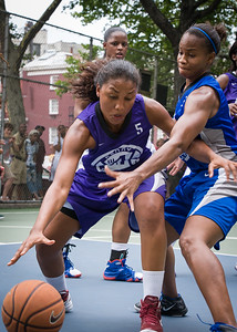 """Ariel Smith West 4th Street Women's Pro Classic NYC: Primetime (Blue) 88 v Run N Shoot (Purple) 68, """"The Cage"""", New York, NY, July 7, 2012"""