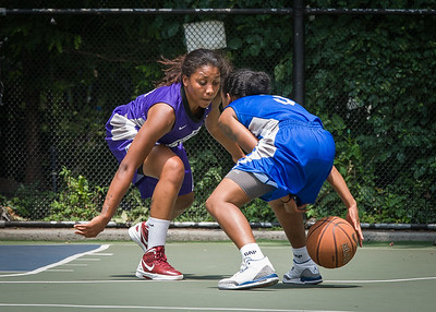 """Renee Taylor, Ariel Smith West 4th Street Women's Pro Classic NYC: Primetime (Blue) 88 v Run N Shoot (Purple) 68, """"The Cage"""", New York, NY, July 7, 2012"""