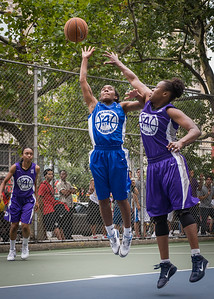 "Renee Taylor, Stefanie Bingham West 4th Street Women's Pro Classic NYC: Primetime (Blue) 88 v Run N Shoot (Purple) 68, ""The Cage"", New York, NY, July 7, 2012"
