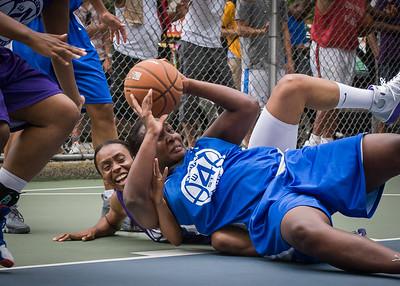 "Octavia Thomas West 4th Street Women's Pro Classic NYC: Primetime (Blue) 88 v Run N Shoot (Purple) 68, ""The Cage"", New York, NY, July 7, 2012"