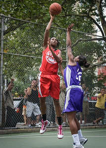 """Shenneika Smith, Darius Faurk West 4th Street Women's Pro Classic NYC: Big East Ballers (Red) 65 v Run N Shoot (Purple) 63, """"The Cage"""", New York, NY, July 14, 2012"""