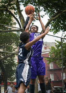 "Micki Younger, Janjellica ""JJ"" Johnson West 4th Street Women's Pro Classic NYC: Run N Shoot (Purple) 79 v Impulse (Navy) 49, ""The Cage"", New York, NY, July 15, 2012"