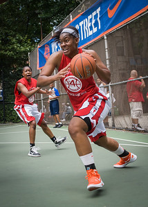 """Troya Berry West 4th Street Women's Pro Classic NYC: Sports Challenge Semis: Exodus NYC Apache (Green) 84 v Red All Stars 80, """"The Cage"""", New York, NY, July 21, 2012"""
