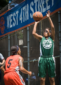 """Erica Morrow, Shorty Reed West 4th Street Women's Pro Classic NYC: Exodus NYC Apache (Green) 61 v Deuce Trey (Orange) 47, """"The Cage"""", New York, NY, August 4, 2012"""