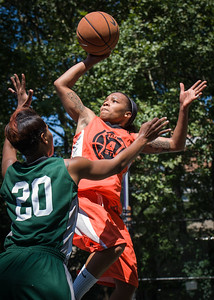 """Shorty Reed West 4th Street Women's Pro Classic NYC: Exodus NYC Apache (Green) 61 v Deuce Trey (Orange) 47, """"The Cage"""", New York, NY, August 4, 2012"""
