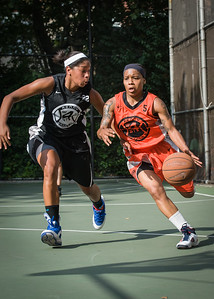 """Shorty Reed, Gabby Gibson West 4th Street Women's Pro Classic NYC: Deuce Trey (Orange) 90 v Cobra Hustlers (Black) 80, """"The Cage"""", New York, NY, August 5, 2012"""
