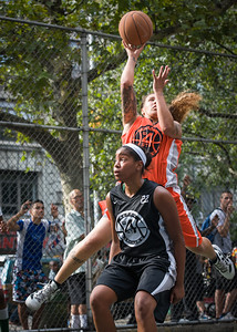"""Nicky Young, Gabby Gibson West 4th Street Women's Pro Classic NYC: Deuce Trey (Orange) 90 v Cobra Hustlers (Black) 80, """"The Cage"""", New York, NY, August 5, 2012"""