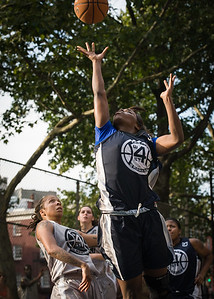 """Afreyea Tolbert West 4th Street Women's Pro Classic NYC: No Limit (Blue) 62 v Imperial Crew (Grey) 50, """"The Cage"""", New York, NY, August 5, 2012"""