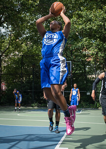 """Nubia Hayes West 4th Street Women's Pro Classic NYC: Lady Soldiers (Blue) 70 v Down the Hatch (Black) 67, """"The Cage"""", New York, NY, August 11, 2012"""