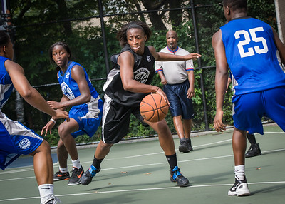 """Aziza Patterson West 4th Street Women's Pro Classic NYC: Lady Soldiers (Blue) 70 v Down the Hatch (Black) 67, """"The Cage"""", New York, NY, August 11, 2012"""