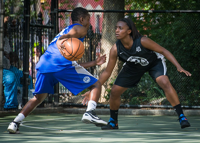 """Alicia Cropper, Aziza Patterson West 4th Street Women's Pro Classic NYC: Lady Soldiers (Blue) 70 v Down the Hatch (Black) 67, """"The Cage"""", New York, NY, August 11, 2012"""