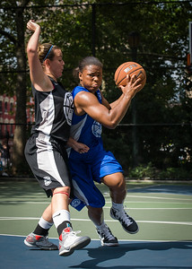 """DeeDee Pearson West 4th Street Women's Pro Classic NYC: Lady Soldiers (Blue) 70 v Down the Hatch (Black) 67, """"The Cage"""", New York, NY, August 11, 2012"""