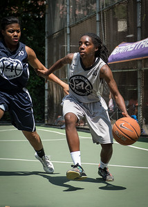 """Tierra Cleaves, Angel Porter West 4th Street Women's Pro Classic NYC: No Limit (Navy) 62 v Imperial Crew (Grey) 51, """"The Cage"""", New York, NY, August 12, 2012"""