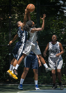 """Tierra Cleaves, Krystal Parnell West 4th Street Women's Pro Classic NYC: No Limit (Navy) 62 v Imperial Crew (Grey) 51, """"The Cage"""", New York, NY, August 12, 2012"""