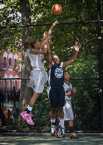 """Nicky Souter, Rashawnah French West 4th Street Women's Pro Classic NYC: No Limit (Navy) 62 v Imperial Crew (Grey) 51, """"The Cage"""", New York, NY, August 12, 2012"""