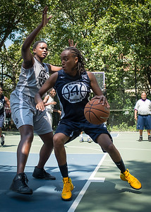"""Kim Blakney, Allison Thorne West 4th Street Women's Pro Classic NYC: No Limit (Navy) 62 v Imperial Crew (Grey) 51, """"The Cage"""", New York, NY, August 12, 2012"""