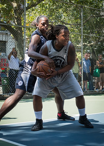 """Robyn Mumford, Juanita Whyms West 4th Street Women's Pro Classic NYC: No Limit (Navy) 62 v Imperial Crew (Grey) 51, """"The Cage"""", New York, NY, August 12, 2012"""