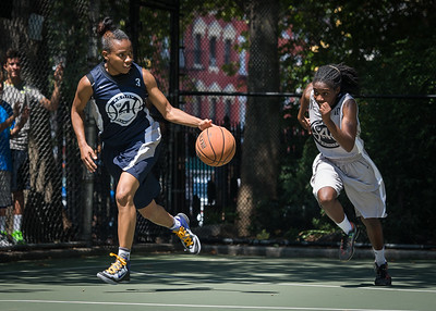 """Nastassia Boucicault, Tierra Cleaves West 4th Street Women's Pro Classic NYC: No Limit (Navy) 62 v Imperial Crew (Grey) 51, """"The Cage"""", New York, NY, August 12, 2012"""