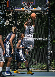 """Mallory Williams West 4th Street Women's Pro Classic NYC: No Limit (Navy) 62 v Imperial Crew (Grey) 51, """"The Cage"""", New York, NY, August 12, 2012"""