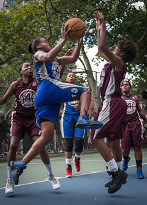 """Bianca Brown, Tania Greenleaf West 4th Street Women's Pro Classic NYC: Primetime (Blue) 81 v Brooklyn Express (Burgundy) 64, """"The Cage"""", New York, NY, August 12, 2012"""
