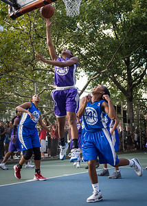 """Toni-Ann Lawrence, Renee Taylor West 4th Street Women's Pro Classic NYC: SEMIS-Primetime (Blue) 79 v Run N Shoot (Purple) 69, """"The Cage"""", New York, NY, August 18, 2012"""