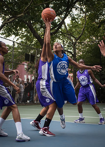 """Renee Taylor, Ariel Smith West 4th Street Women's Pro Classic NYC: SEMIS-Primetime (Blue) 79 v Run N Shoot (Purple) 69, """"The Cage"""", New York, NY, August 18, 2012"""