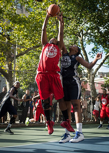 """Kellindra Zackery , Jennifer Blanding West 4th Street Women's Pro Classic NYC: Semifinal 2: Big East Ballers (Red) 84 v No Limit (Navy) 80, """"The Cage"""", New York, NY, August 18, 2012"""