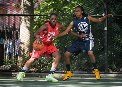 """Korinne Campbell, Kim Blakney West 4th Street Women's Pro Classic NYC: Semifinal 2: Big East Ballers (Red) 84 v No Limit (Navy) 80, """"The Cage"""", New York, NY, August 18, 2012"""