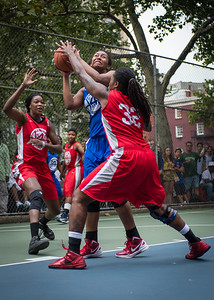 """Miriam Seale, Victoria Macaulay, Kellindra Zackery West 4th Street Women's Pro Classic NYC: Championship Game: Big East Ballers (Red) 80 v Primetime (Blue) 76 , """"The Cage"""", New York, NY, August 19, 2012"""