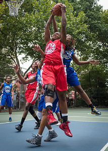 """Kellindra Zackery, Leeah Thomas West 4th Street Women's Pro Classic NYC: Championship Game: Big East Ballers (Red) 80 v Primetime (Blue) 76 , """"The Cage"""", New York, NY, August 19, 2012"""