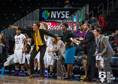 LSU head coach Nikki Caldwell and the Lady Tiger bench