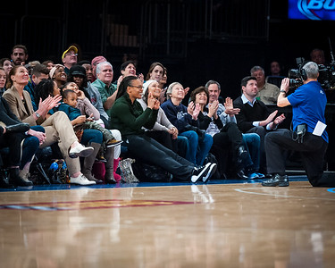 Teresa Weatherspoon (green sweater) says hello to the MSG crowd; Sue Wicks can be seen on the left