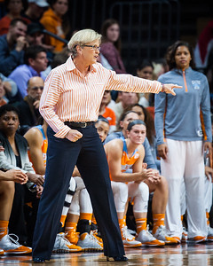 Tennessee head coach Holly Warlick