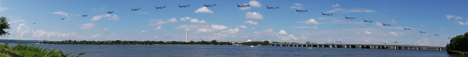 Panorama of a plane coming in for a landing over the Potomac. View the full version here: http://photos.kevinworkman.com/Pictures/2011/i-SQfJbV5/0/O/PlanePanorama498.jpg