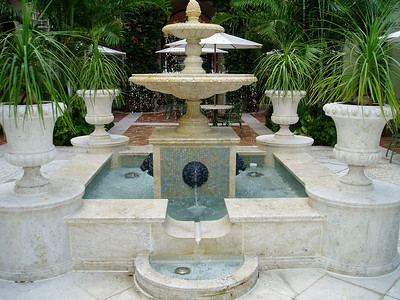 Indoor formal fountain