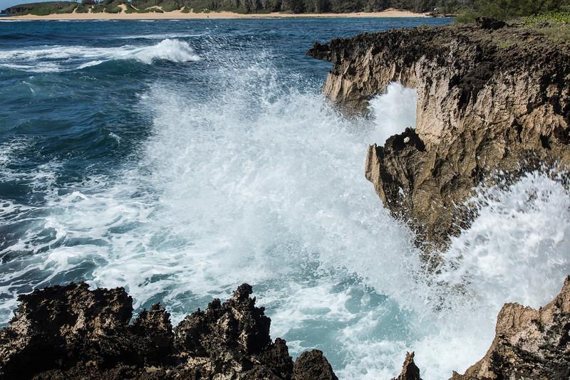 Crashing waves, Maha'ulepu