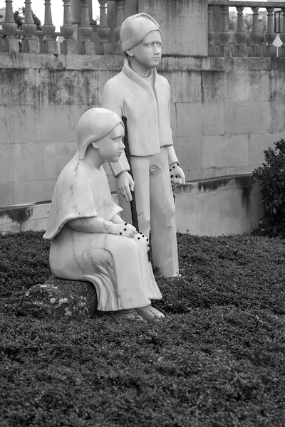 Statue of two of the children