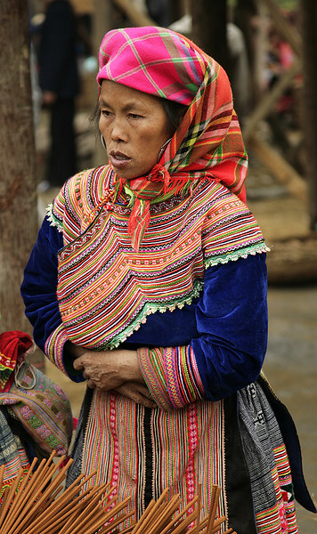 Flower Hmong Incense seller, Bac Ha market