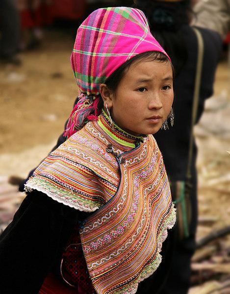 Flower-Hmong-woman-