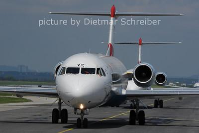 2013-05-05 OE-LVC Fokker 100 Austrian AIrlines