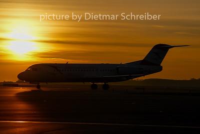 2007-10-01 OE-LFJ Fokker 70 Austrian Arrows